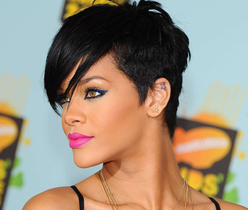 Rihannas-Stylist-Shares-Her-Hair-Color-Advice1