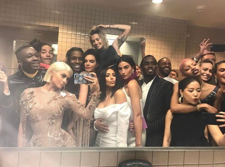 Met Gala Bathroom Pic